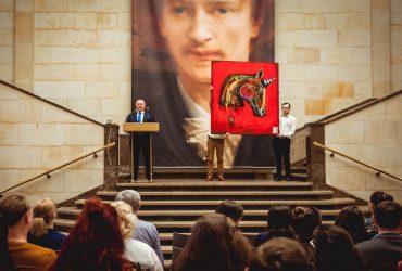 """Pomaganie to prawdziwa sztuka! W dodatku sztuka przez duże """"S"""", czyli XXXI Charytatywna Aukcja Dzieł Sztuki Fundacji SYNAPSIS – 08.04"""
